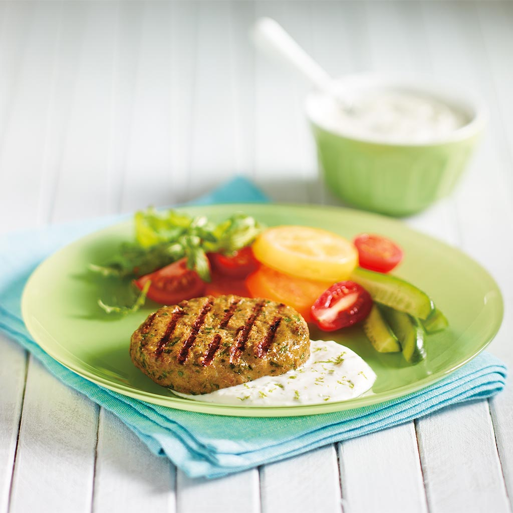Barbequed curried chicken burgers with yogurt sauce - Marinade poulet curry barbecue ...